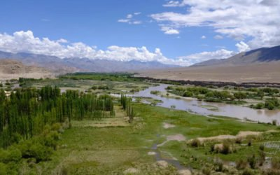 Le ruban jaune au sommet de l'Himalaya